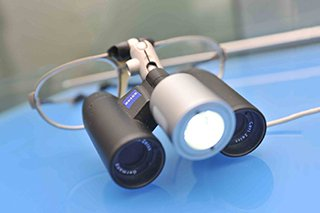 tecnologia avanguardia occhiali ingrandenti carl zeiss studio dentistico motta rossi milano